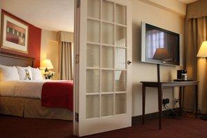 Suite - Holiday Inn Brookline
