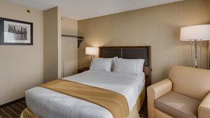 Room - Holiday Inn Express Springfield