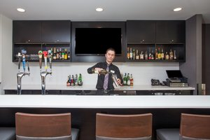 Bar - Holiday Inn East Ottawa