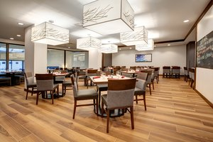 Restaurant - Holiday Inn East Ottawa