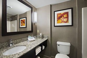 - Holiday Inn Express Hotel & Suites Cambridge