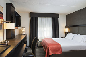 Room - Holiday Inn Express Hotel & Suites Cambridge