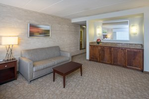 - Holiday Inn Linthicum