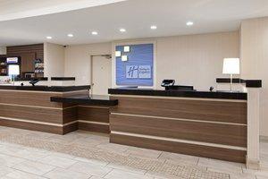 Lobby - Holiday Inn Express North Colton