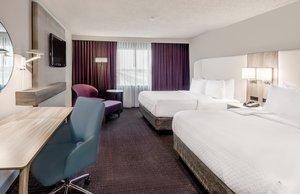 Room - Crowne Plaza Suites Arlington