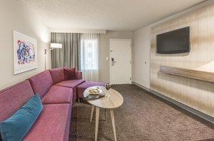 Crowne Plaza Suites Arlington Tx See Discounts