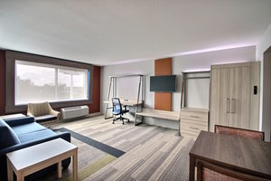 Room - Holiday Inn Express Hotel & Suites Fond du Lac