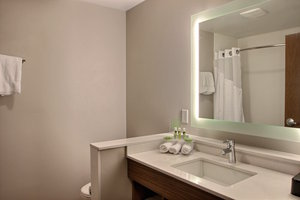 - Holiday Inn Express Hotel & Suites Fond du Lac