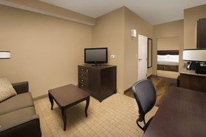 Suite - Holiday Inn Hotel & Suites Airport Denver