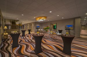 Restaurant - Holiday Inn Mart Plaza Chicago