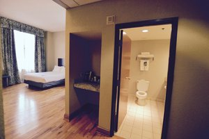 Room - Holiday Inn Express Downtown Cleveland
