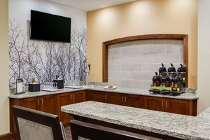 Bar - Staybridge Suites Downtown Des Moines