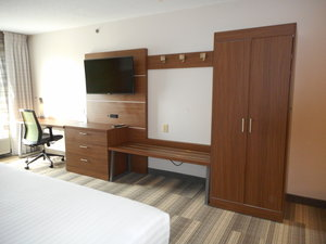 - Holiday Inn Express Fairfield
