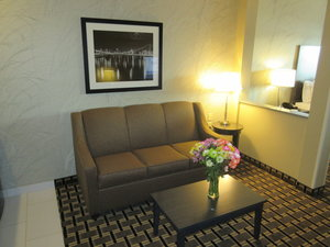 - Holiday Inn Express Hotel & Suites Butler