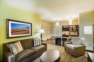Room - Candlewood Suites Lenexa