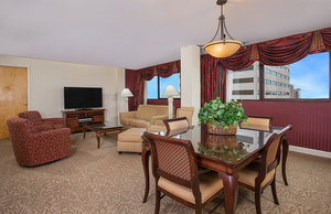 Suite - Crowne Plaza Hotel Knoxville