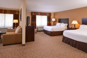 Room - Holiday Inn Express Hotel & Suites Bridgeport