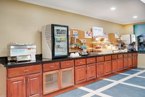 Restaurant - Holiday Inn Express Pocomoke City
