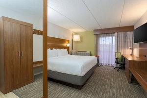 Room - Holiday Inn Express Wauwatosa