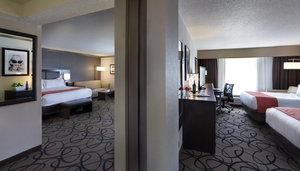 Room - Holiday Inn Somerville