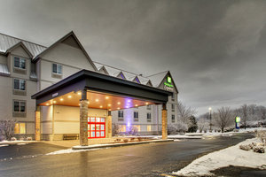 Exterior view - Holiday Inn Express Hotel & Suites Lincoln