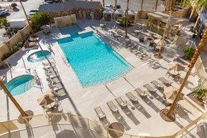 Pool - Staybridge Suites Las Vegas