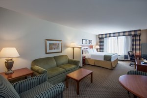 Suite - Holiday Inn Express Hotel & Suites Flowood