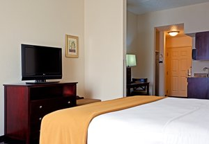 Suite - Holiday Inn Express Hotel & Suites Hillside