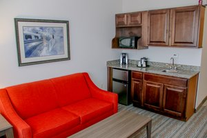 Suite - Holiday Inn Hotel & Suites Centennial