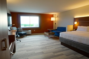 Suite - Holiday Inn Express Hotel & Suites I Street Omaha