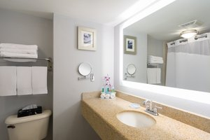 - Holiday Inn Express Hotel & Suites Easton