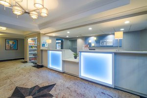 Lobby - Holiday Inn Express Hotel & Suites Easton