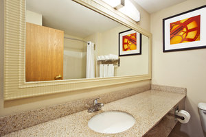 - Holiday Inn Express Groveport