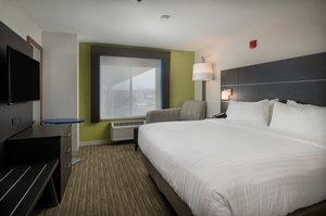Suite - Holiday Inn Express Hotel & Suites Lawrence