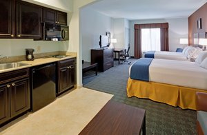 Suite - Holiday Inn Express Hotel & Suites Warminster