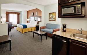 Room - Holiday Inn Express Hotel & Suites Warminster