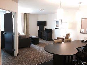 Room - Candlewood Suites Austintown