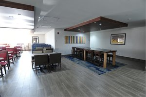 Lobby - Holiday Inn Express Hotel & Suites Airport West Mississauga