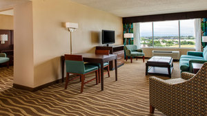 Suite - Holiday Inn Hotel & Suites Overland Park