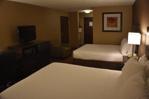Room - Holiday Inn Express Hotel & Suites Garden City