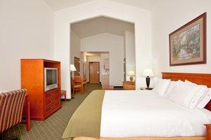 Room - Holiday Inn Express Hotel & Suites Loves Park