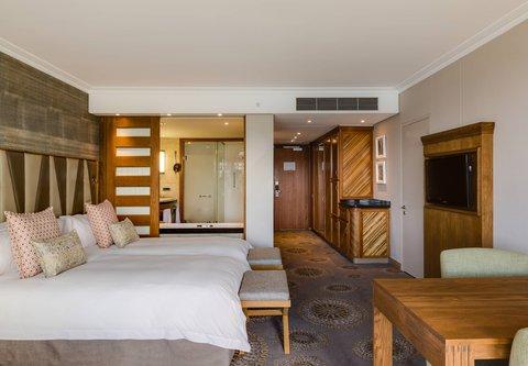 Grand Deluxe Guest Room