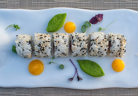 The Raw Bar - Sushi Platter