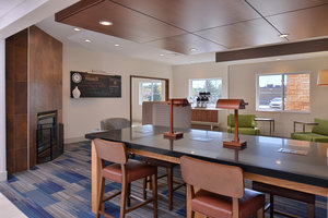 Lobby - Holiday Inn Express Stevens Point