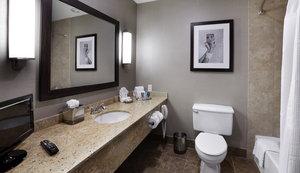 Room - Crowne Plaza Hotel Natick
