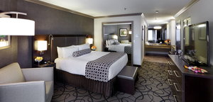Suite - Crowne Plaza Hotel Natick