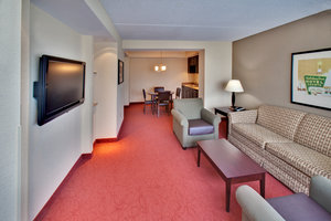 Suite - Holiday Inn Hotel & Suites West Des Moines