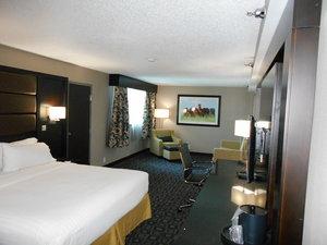 Room - Holiday Inn I-64 East Louisville