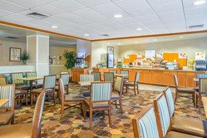 Restaurant - Holiday Inn Express Hotel & Suites Brattleboro