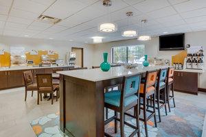 Restaurant - Holiday Inn Express Hotel & Suites Largo